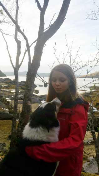 jente med hund