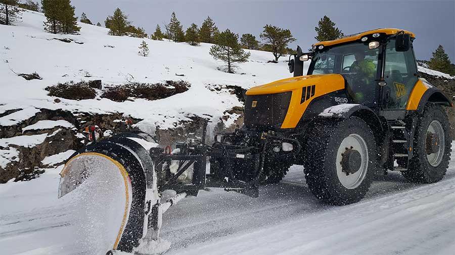 Veiservice-Jentoft-og-Brumle-Traktor